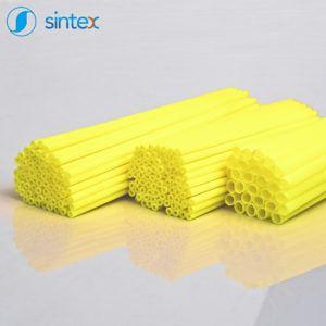 Plastikowe rurki wędkarskie wkolorze żółtym
